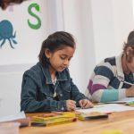 """A mediação escolar, também chamada de """"Peer Mediation"""", pode trazer benefícios para todo o corpo escolar. Entenda mais sobre o assunto em nosso post!"""