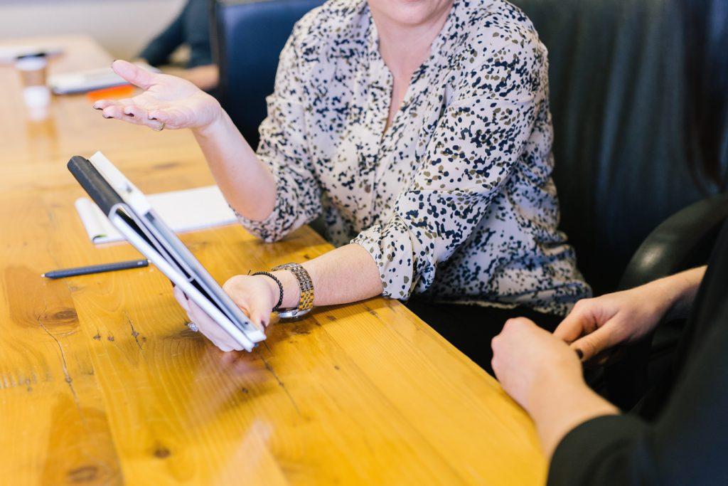 Os benefícios da mediação online para as empresas_amyhirschi_unsplash